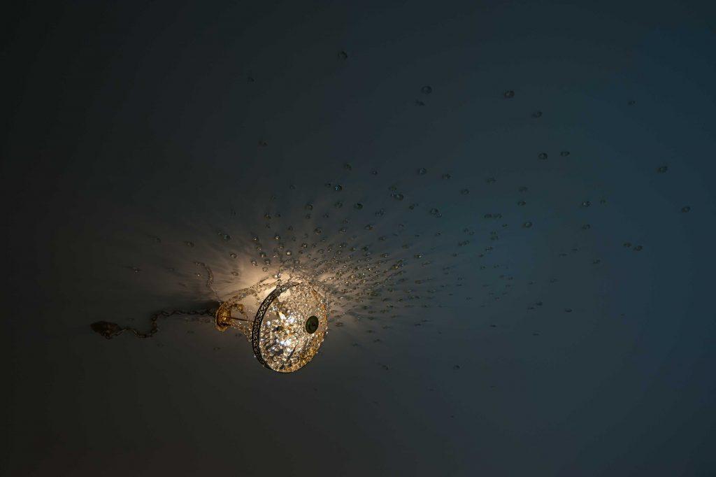 Pequeña Lámpara incrustada en el techo